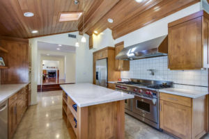 4559 Matilija Ave Sherman Oaks-small-013-10-Kitchen-666x444-72dpi