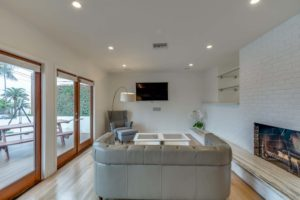223 Waterview St Playa del Rey-large-003-28-Living Room-1500x1000-72dpi