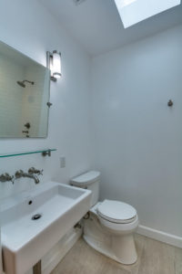 223 Waterview St Playa del Rey-large-025-4-Bathroom-667x1000-72dpi