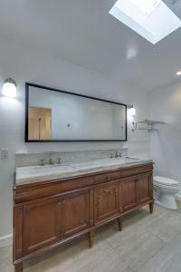 223 Waterview St Playa del Rey-large-035-2-Master Bath-667x1000-72dpi