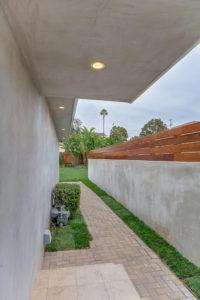 223 Waterview St Playa del Rey-large-037-5-Side Yard-667x1000-72dpi